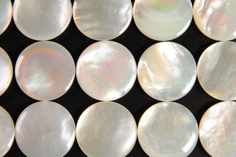 Mother of Pearl Go Stone, size20 -WMPS-20A-1703
