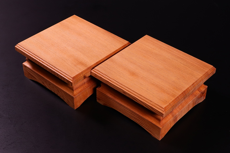 "Piece stand for 2~2.5-sun (6-7.5cm-thick) Table Shogi Board , ""Yaku-sugi"" Cedar made Off-spec"