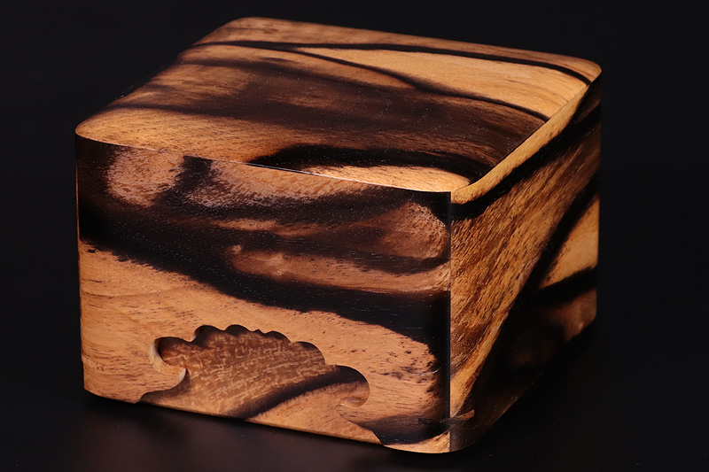 Pieces Box, Kurokaki